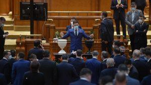 Proiect de lege anti-chiul. Un deputat vrea ca parlamentarii chiulangi să fie sancţionaţi
