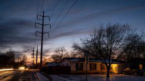 Texas este în stare de urgenţă. O furtună a lăsat milioane de oameni fără apă şi curent