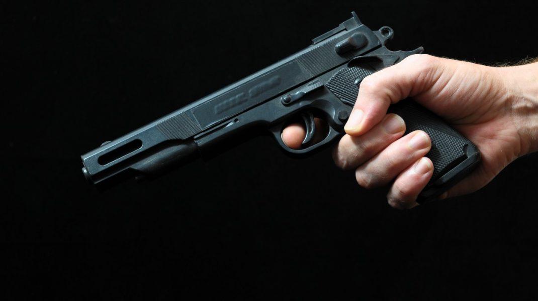 """Un YouTuber a fost împuşcat în timp ce filma o """"farsă"""". Tânărul a murit"""
