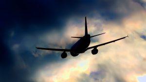 Un avion s-a prăbuşit în Nigeria. Şapte persoane au murit