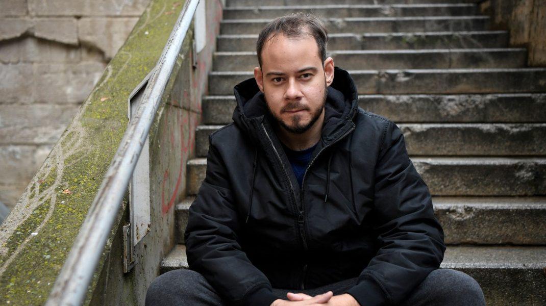 Un rapper s-a închis într-o universitate pentru a fi nu arestat de poliţie