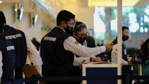 """Gabriel Horț, român reținut pe aeroportul din Cancun: """"Ne-au spus că ne verifică FBI și CIA. Am fost umiliți, îmbrânciți și amenințați"""""""