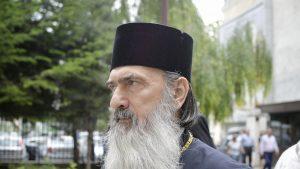 ÎPS Teodosie nu-l cheamă la judecata Sfântului Sinod pe ÎPS Calinic, după ce acesta a vorbit despre pericolul ritualului botezului