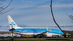 """Un avion KLM a operat primul zbor din lume cu kerosen sintetic. """"Intrăm într-un nou capitol al aviaţiei"""""""