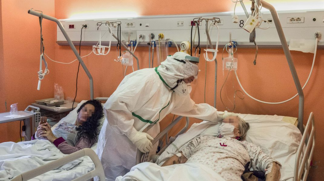 BILANȚUL ZILEI. 2.419 de cazuri noi de coronavirus și 52 de decese în ultimele 24 de ore. Situația la ATI
