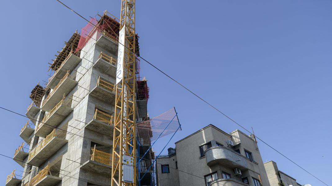 Bloc în construcție