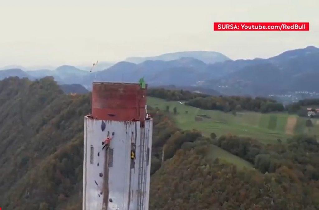 Doi cățărători din Serbia au escaladat cel mai înalt coş din Europa. Povestea celor doi iubiți