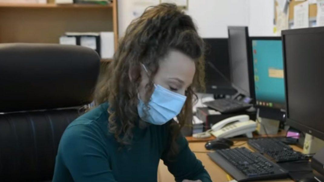 Fosta chelneriță angajată ca inginer la Apele Române și-a dat demisia