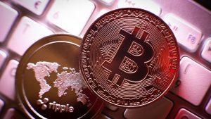 Bitcoin urcă la un nou maxim istoric şi ajunge la 50.000 de dolari, după ce marile companii au început să investească în criptomonede