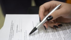 DOCUMENT. Ministerul Sănătății a publicat formularul prin care părinții își pot da consimțământul pentru testarea elevilor