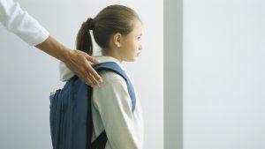 """""""Să fim şi paznici și infirmiere şi eu ştiu ce? Sunt profesor și atât"""". Reacția unui cadru didactic despre triajul elevilor"""