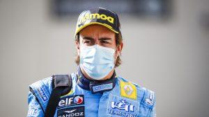 Fernando Alonso, internat în spital după ce a fost lovit de o mașină în timp ce mergea pe bicicletă