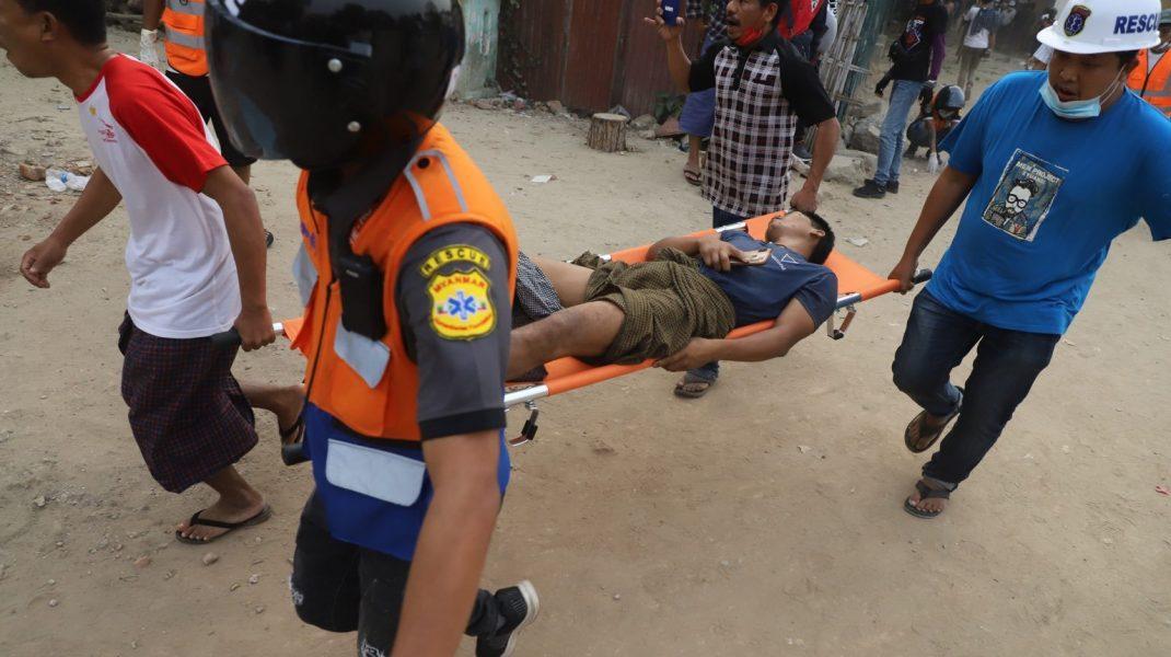 Cel puțin două persoane au fost ucise și alte șase, rănite, în timpul protestelor din Myanmar