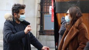 De aproape un an trăim mai mult sau mai puțin în izolare. Ce au învățat europenii din pandemie?