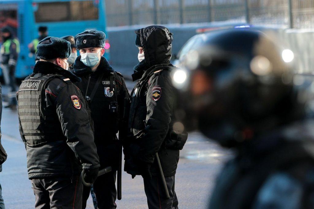 """Mesajul """"special"""" transmis de poliția din Moscova celor care împlinesc 14 ani: infracțiunile care îi pot duce la închisoare"""