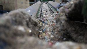 Suntem pe penultimul loc în UE la reciclat. Cine e în fruntea clasamentului