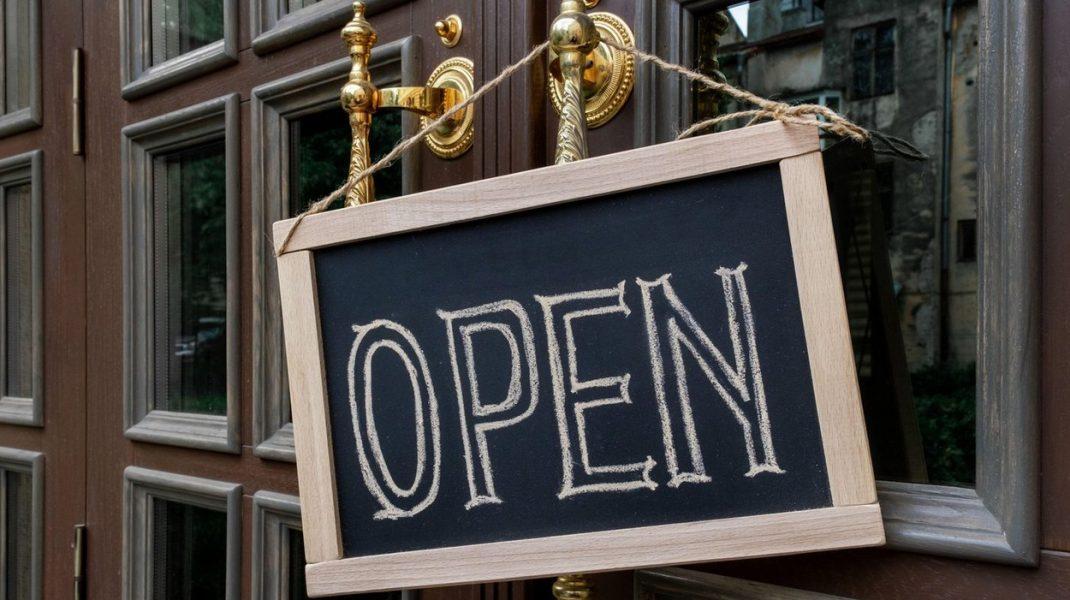 Iași reintră în scenariul galben. Când se deschid restaurantele, cafenelele și sălile de spectacole din oraș