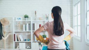 O femeie, despăgubită pentru treburile casnice. Suma uriaşă pe care trebuie să o plătească fostul soţ