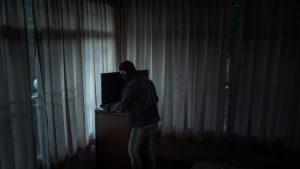 Vaslui: Un bărbat a furat televizorul de la hotel şi l-a dus la amanet