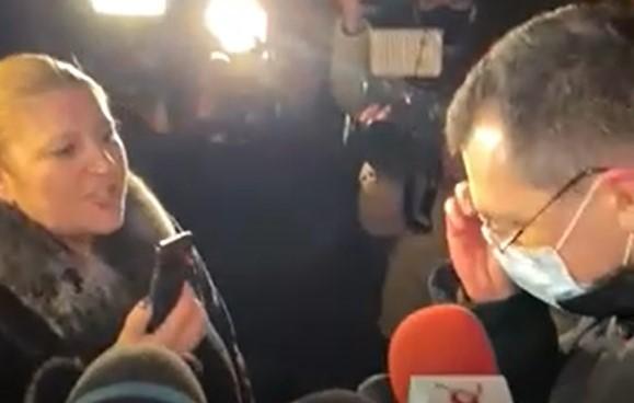 """Șoșoacă, scandal la """"Marius Nasta"""": """"Domnule Voiculescu, e adevărat că aceste incendii sunt folosite pentru a privatiza sistemul sanitar?"""". VIDEO"""