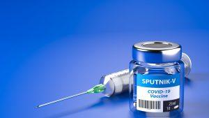 Cum a ajuns vaccinul rusesc să fie apreciat în lupta cu COVID-19, deși la începutul campaniei de imunizare serul lui Putin era privit cu scepticism