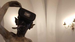 Mai multe statui dezbrăcate pe holul Primăriei Sectorului 1, subiect controversat în mediul online. Reacțiile apărute