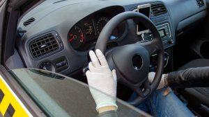 Curse de taxi gratuite pentru cei care se vaccinează împotriva Covid-19. Ce trebuie să facă pasagerii