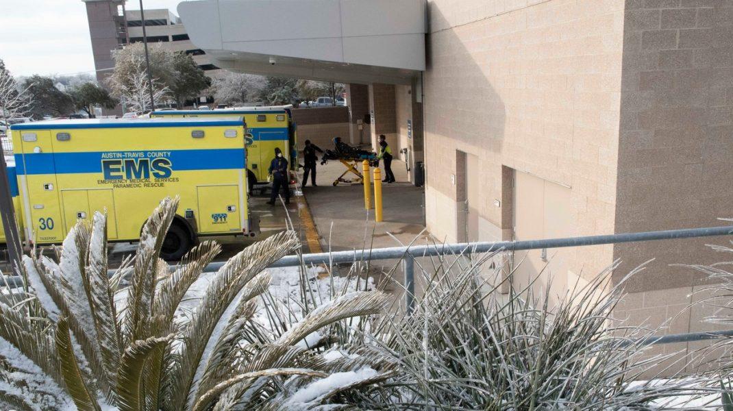 """Frigul și lipsa apei copleșesc spitalele din Texas mai mult decât pandemia de Covid-19: """"Acest eșec al sistemului ne-a zguduit complet"""""""