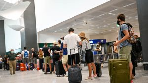 Cât au cheltuit românii pe vacanțe anul trecut. Pe ce loc suntem în topul țărilor din UE care au redus bugetul pentru concedii