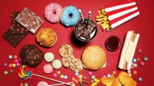 Mai multe țări din Europa au adoptat legi care taxează zahărul din alimente. Decizia ar aduce la bugetul României 684 milioane de euro