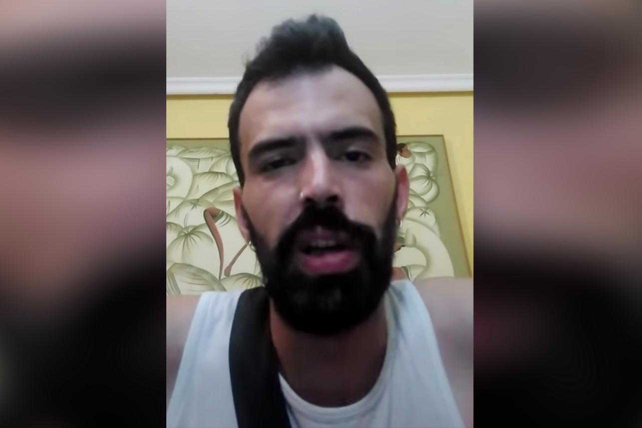 Un rapper i-a tăiat penisul colegului său de apartament pentru a face vizualizări pe YouTube