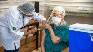 Date preliminare: Vaccinul chinezesc anti-Covid, eficient împotriva tulpinii braziliene