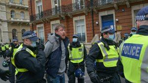 Mii de oameni au protestat în Londra anti-lockdown.