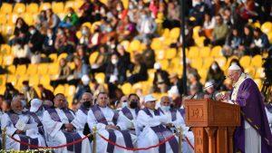 Papa Francisc a ajuns în regiunea autonomă kurdă a Irakului