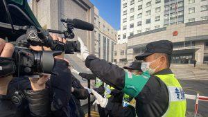Jurnaliști-străini-în-China