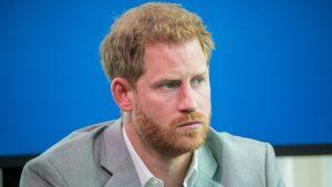 Prinţul Harry a semnat prefaţa unei cărţi dedicată copiilor care se confruntă cu pierderea unei persoane dragi