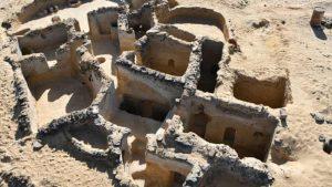 Ruinele-unei-așezări-monahale-creștine-antice-din-Egipt