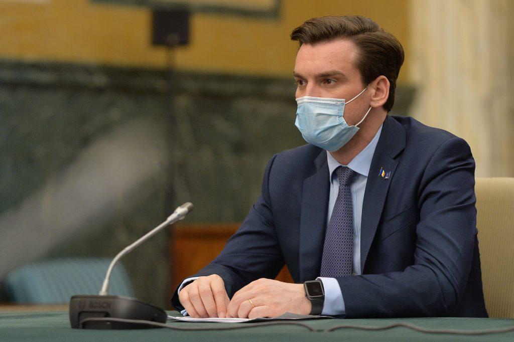 """Vicepreședintele CNCAV: """"Vaccinurile ne protejează și de noile variante ale tulpinii virale SARS-CoV-2"""". Câți români s-au infectat cu varianta Delta"""