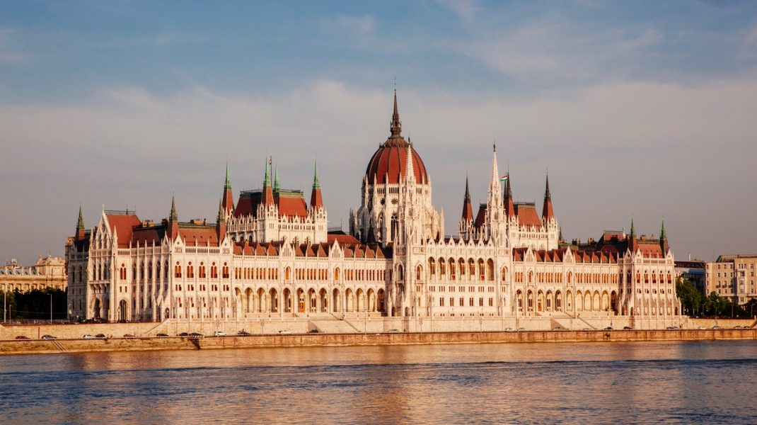 budapesta-parlament