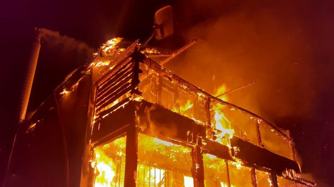 cabana-incendiu
