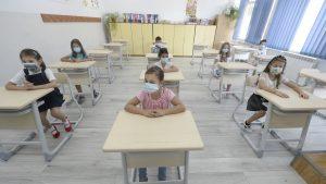 Învățarea mai multor limbi ajută la dezvoltarea creierului. Peste 64% dintre români nu pot vorbi o altă limbă