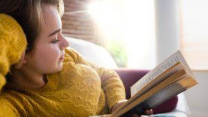 Ce au citit cel mai mult românii în pandemie? Cărțile care au fost la mare căutare