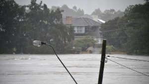 """Australia, lovită de inundații cum nu au mai fost văzute în ultimii 100 de ani. În anumite zone a fost declarat """"dezastru natural"""""""
