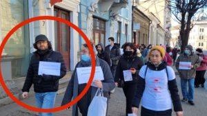 Judecător din Cluj, surprins fără mască la un protest organizat de AUR împotriva vaccinării