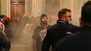Mai mulți protestatari care au luat cu asalt Capitoliul au primit interdicție la internet. Motivul deciziei judecătorilor