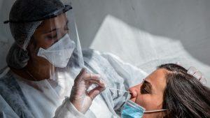 Topul județelor afectate de coronavirus. Rată de incidență în creștere în București