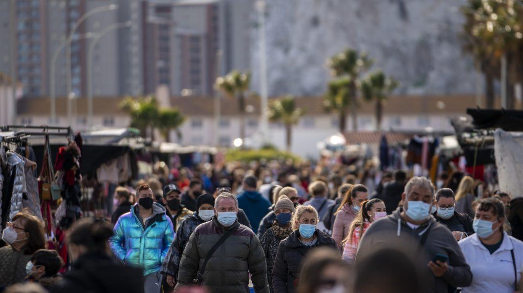 Este puțin probabil ca pandemia să se termine până la sfârșitul anului, avertizează OMS. Cazurile de Covid-19, din nou în creștere la nivel global