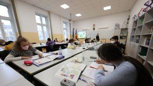 scoala-scenariul-rosu