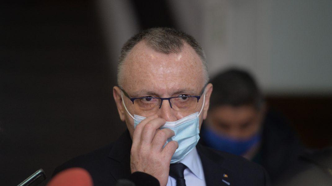 """Ministrul Educației, atac indirect la adresa lui Voiculescu privind restricțiile din școli: """"Educația nu îmbolnăvește"""""""