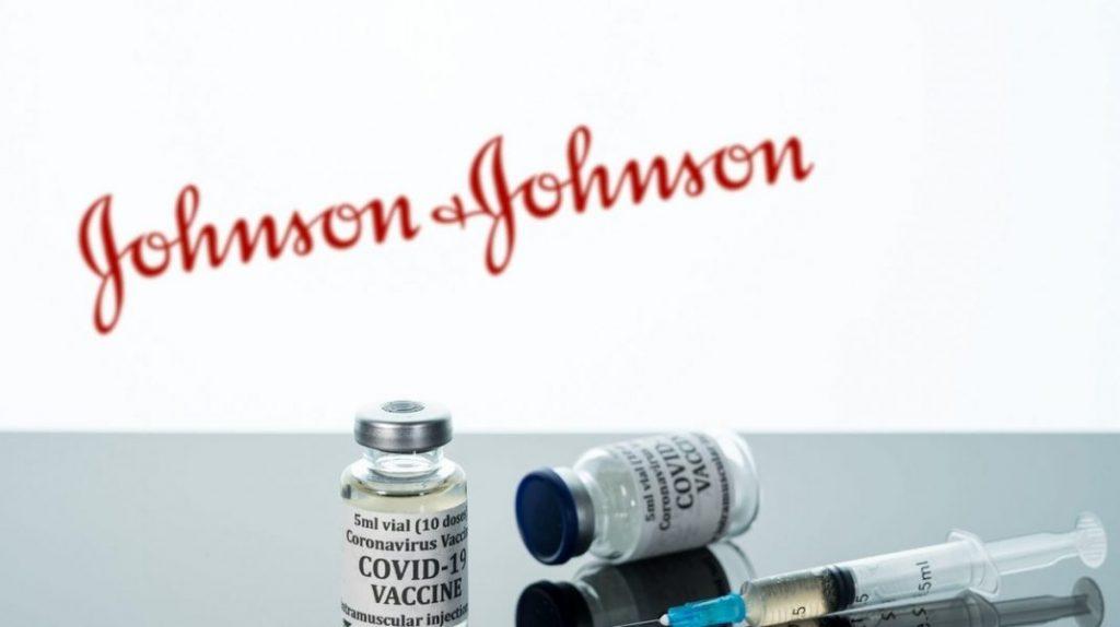 Când începe vaccinarea cu Johnson & Johnson în România și de ce este suficientă o singură doză de ser. Explicația Ministerului Sănătății